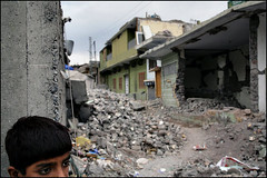 Destroyed city - Muzaffarabad, Pakistan (Maciej Dakowicz) Tags: pakistan camp people canon photography eos earthquake october ruins relief help 5d kashmir journalism muzaffarabad abigfave top20journalism