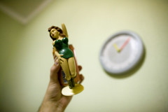 065D14973 (Paulgi) Tags: sexy green clock portugal girl wall toy hand legs time coke gift pinup paulgi