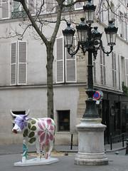 Cow Parade (tofz4u) Tags: light streetart paris lamp cow parade 75006 cowparade vache lampadaire
