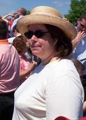 KY Oaks 2006 - Scanning the Crowd (paulsisler) Tags: jennifer churchilldowns louisvilleky oaksday kyoaks