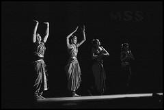 Bharatanatyam: Shobana and her dance troupe (Vivek M.) Tags: india dance traditional bharatanatyam shobana