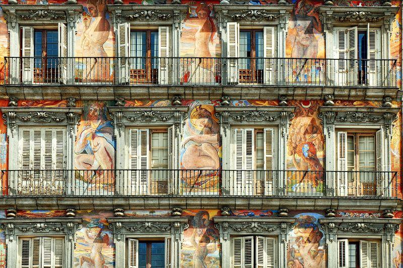 Photo de Madrid n°10. Peintures sur les façades de la Plaza Mayor à Madrid