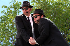 Elwood and Jake (Leo Reynolds) Tags: california usa holiday canon eos 350d losangeles iso400 universalstudios 90mm f71 bluesbrothers 0006sec 1ev hpexif leol30random titanhitour titanhitour2006 xratio32x xleol30x