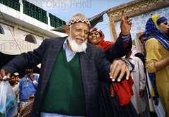 Pakpattan-25 (Nicola Okin Frioli) Tags: pakistan portrait photography photo foto photographer photojournalism punjab pilgrimage fotografo photojournalist okin okinreport wwwokinreportnet nicolaokinfrioli fotogiornalista pakpattan babafareedganj nicolafrioli