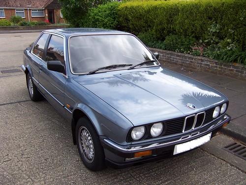 BMW 323i e30 151287526_5ca14a3311