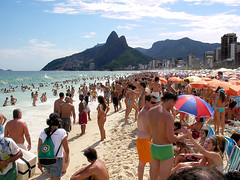 Sunday on the beach (iko) Tags: voyage city travel brazil people beach brasil riodejaneiro bresil sunday crowd tan plage dimanche ville ipanema