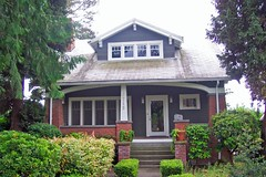 Craftsman Bungalow - Redmond (Stones 55) Tags: house home architecture washington explore porch redmond 1922 craftsman bungalow