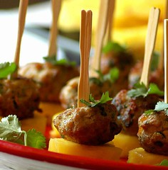 Spiced Pork Meatballs on Pineapple (Vita Arina) Tags: food fruit recipe nikon d70 meat pork pineapple appetizers