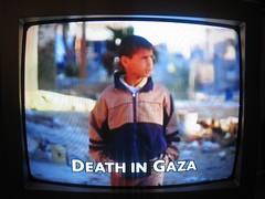 < Tonight Israeli troops are poised on the Gaz...
