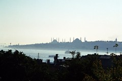 istanbul (H e r m e s) Tags: life city travel light sky color colour water colors fog canon turkey eos photo interesting ships türkiye turkiye picture istanbul mosque turquie törökország törökök türkei ottoman turkeytravel ist İstanbul turks turkish minarets turk sultanahmet siluette türk 500n turkki turkei üsküdar canoneos500n silüet Τουρκία istanbulsilüeti bizantion dietürkei
