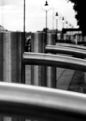 Urban Obstacles (Sylvain Sylvain) Tags: city ireland urban bw dublin white black blanco branco canon 350d europa europe noir negro preto nb weis bianco blanc nero schwarz irlande sylvainsylvain 黑白色 sylvainclep 백색 m3l0dym4k3r 黒い白 까만