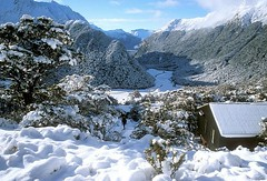 routeburn valley under snow - 1991 (go wild - NZ outside) Tags: park new light mountain snow nature beauty landscape outdoors walks outdoor hiking conservation best huts zealand national nz remote wilderness doc guesswhere tramping aspiring june1991 gowild spottedbydave routeburnfalls hvn1659 interest100