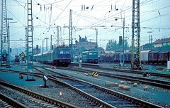118 047  Bamberg Hbf  13.05.84 (w. + h. brutzer) Tags: bamberg eisenbahn eisenbahnen train trains deutschland germany railway elok eloks lokomotive locomotive zug 118 e18 db webru analog nikon