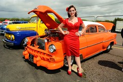 Holly (Fast an' Bulbous) Tags: show santa red summer england woman sexy classic girl car vintage high pod nikon dress display cloudy flash july gimp style retro american heels vehicle americana nylon nylons showshine d7100 dragstalgia