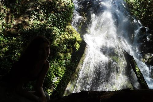 Magda y la cascada