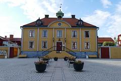 Rathaus Mariefred (Stefan Giese) Tags: sweden schweden skandinavien haus panasonic gelb scandinavia rathaus 2015 mariefred södermanland fz1000