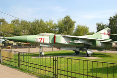 71 Red Mikoyan Mig-23S (johnyates2011) Tags: moscow 71red mig mikoyan mikoyanmig23 sovietairforce russianairforce mig23