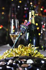 Champán y chocolate (explore) (Carlos Lubina) Tags: 52stilllifes champagne celebration chocolate