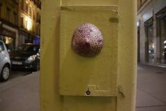 Intra Larue 876 (intra.larue) Tags: intra urbain urban art moulage sein pecho moulding breast teta seno brust formen téton street arte urbano pit lyon
