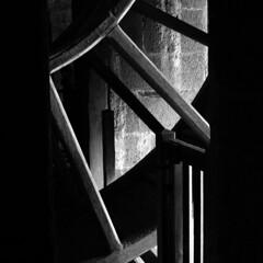 La Grande Roue (Kini Pier) Tags: canon bn bw blackandwhite squareformat squared quadrato quadratum canoneos500d