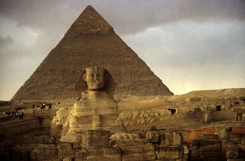 """Ägypten 1999 (651) Kairo: Große Sphinx und Chephren-Pyramide, Gizeh • <a style=""""font-size:0.8em;"""" href=""""http://www.flickr.com/photos/69570948@N04/32143415910/"""" target=""""_blank"""">View on Flickr</a>"""