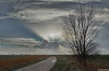 Friesische Wolkenspiele (berndwhv) Tags: feld wolken clouds himmel sky landschaft landscape landschap paysage feldweg weg ebene flachland wiesen schilf deutschland norddeutschland niedersachsen landkreisfriesland wangerland minsen wolkenzauber