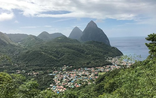 st-lucia-two-pitons-village