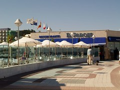 "Restaurantes con vistas al mar Restaurante El Parque • <a style=""font-size:0.8em;"" href=""http://www.flickr.com/photos/134339510@N04/18989811920/"" target=""_blank"">View on Flickr</a>"