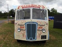Vintage Ice Cream Van, L'Eroica Britannia 2015 (Dave_Johnson) Tags: festival vintage cycling derbyshire icecream morris van chesterfield bakewell britannia eroica icecreamvan fredericks morriscommercial leroica leroicabritannia pto842