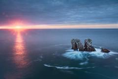 _06A3184 (mariajosegomez1) Tags: espaa sol beach atardecer mar agua playa santander rocas cantabria liencres urros