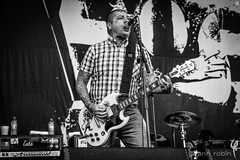 Lars Frederiksen / Rancid (Pixomatose) Tags: bw music white black classic festival contrast canon punk live stage guitars oldschool 5d oi legend rancid yoannrobin