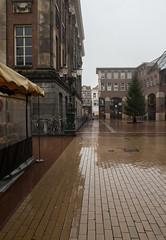 Waagplein (Jeroen Hillenga) Tags: groningen waagplein regen reflectie spiegeling stad straat street streetwise city cityscape