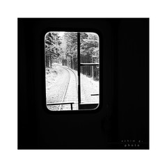 the cut out of a day (light-square) Tags: thecutoutofaday derausschnitteinestages impression zug train fenster window winter monochrome schwarzweis blackandwhite leicax2 reise journey europa germany