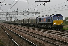 GBRF 66750 @ Coppenhall Crewe (uksean13) Tags: canon cheshire crewe biomass class66 gbrailfreight ef28135mmf3556isusm 400d gbrf 66750 coppenhall