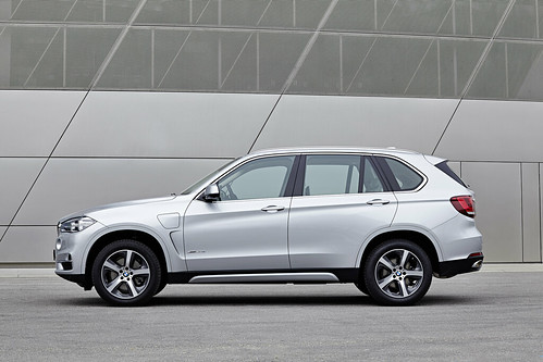"BMW X5 PHEV <a style=""margin-left:10px; font-size:0.8em;"" href=""http://www.flickr.com/photos/128385163@N04/19085486786/"" target=""_blank"">@flickr</a>"