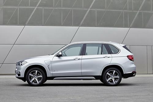 "BMW X5 PHEV <a style=""margin-left:10px; font-size:0.8em;"" href=""http://www.flickr.com/photos/128385163@N04/19085486786/"" target=""_blank"">@flickr</a>"