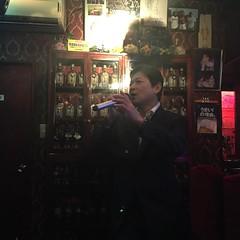 ヒロキ先輩の歌で今宵の宴は終了です。 和田アキ子あの鐘を鳴らすのはあなたのフシで 街は今〜砂漠の中〜🎵 この店のぉ〜勘定はあな〜た〜