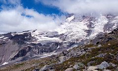 Clouds hovering over Mt Rainier (gourab66) Tags: travel nature washington nikon paradise mtrainiernationalpark nikond810 nikon1635mmf4vr