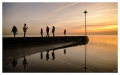 L1004106 (robert.french57) Tags: d47 people thorpa bay southend sea coast seaside sun sunset sky yellow bob robert french 57 leica m 240 24mm lens christmas family winter december reflections manual focus