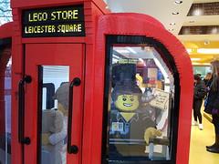 20170119_143310 (COUNTZERO1971) Tags: lego london legostore leicestersquare toys buildingblocks brickculture