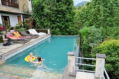 IMG_3667 (JoStof) Tags: indonesia bali hotel pool swimming munduk indonesië idn