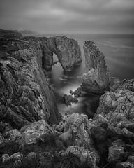 Tomasón (Migueliglesias76) Tags: bw seascape sea sky rock asturias agua water landscapes longexposure