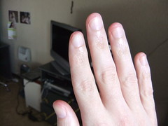 DSCF6293 (ongle86) Tags: sucer ronger ongles doigts mains thumb sucking nails biting fingers licking hand fetish