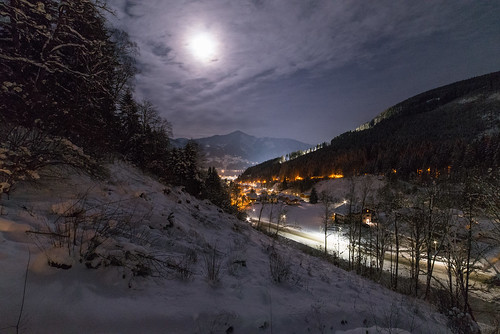 Zell am See by night.