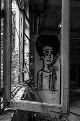 Etre et avoir été (#52of2017 #window) (cactus2016) Tags: 52choses2017 portrait window noiretblanc blackandwhite bréhec monochrome abandon abandonned ruines urbexrurex