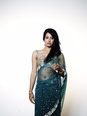 South Actress SANJJANAA Unedited Hot Exclusive Sexy Photos Set-18 (18)