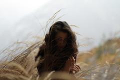 Daegmaer (Milena Galizzi) Tags: muse lucrezia portrait mountain field grass side gipsy land