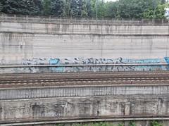038 (en-ri) Tags: muro wall writing torino graffiti abc arrow azzurro wens reser lungolinea