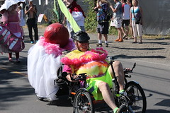 Dessert in Tow (Chicago John) Tags: seattle fair fremont parade solstice 2015 fremontfair