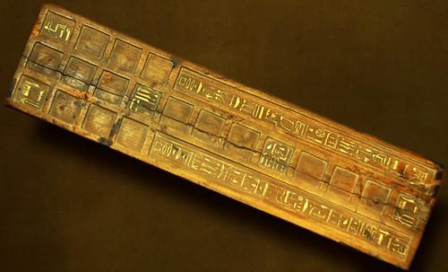 "Senet - Lujoso sistema de objetos lúdicos obsequio del dios Toht a la faraona Nefertari • <a style=""font-size:0.8em;"" href=""http://www.flickr.com/photos/30735181@N00/31678194884/"" target=""_blank"">View on Flickr</a>"